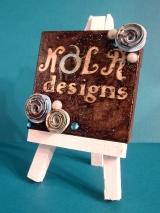 Mini Easel & Bonus Card!